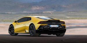 Lamborghini Huracán Evo 2020 amarillo en la pista